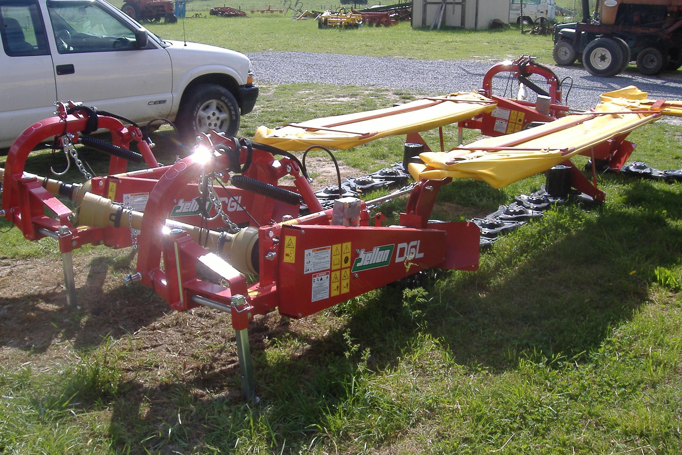 T&W Farm Equipment – SaMASZ Mowers, Branson Tractors